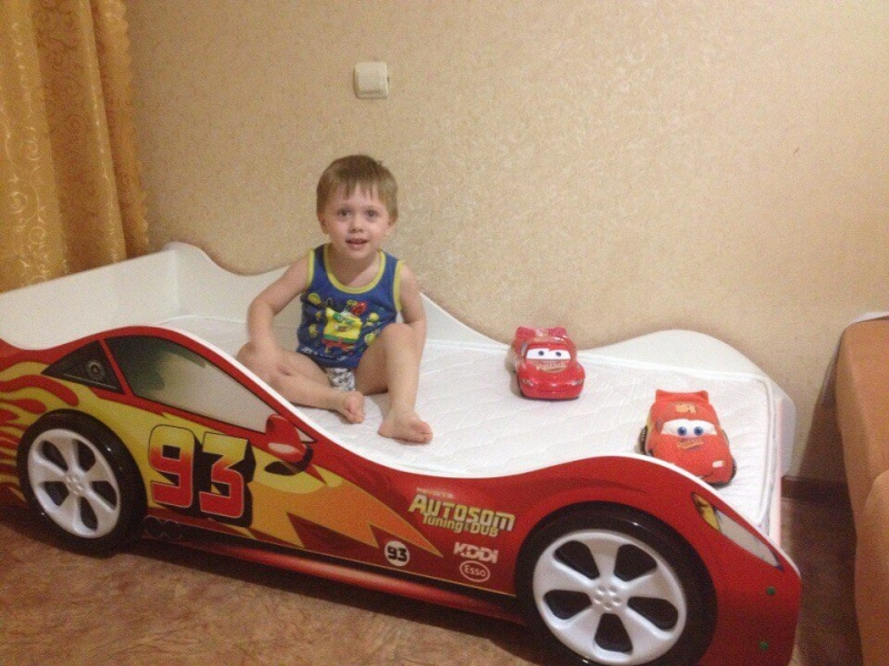 Кровать машина ТАЧКА КРАСНАЯ (Молния Маквин) с удобной инструкцией
