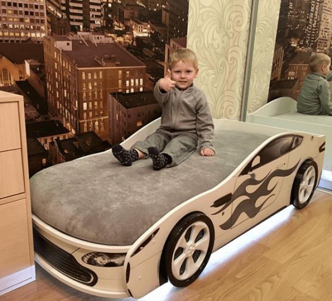 Кровать машина с подъемным механизмом БОНДМОБИЛЬ БЕЛЫЙ без запаха
